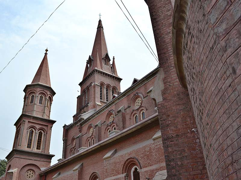 Pakistani Christians Increase Church Security in Preparation for Easter    Persecution